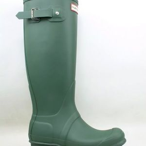 Hunter boots green size 5 new with box